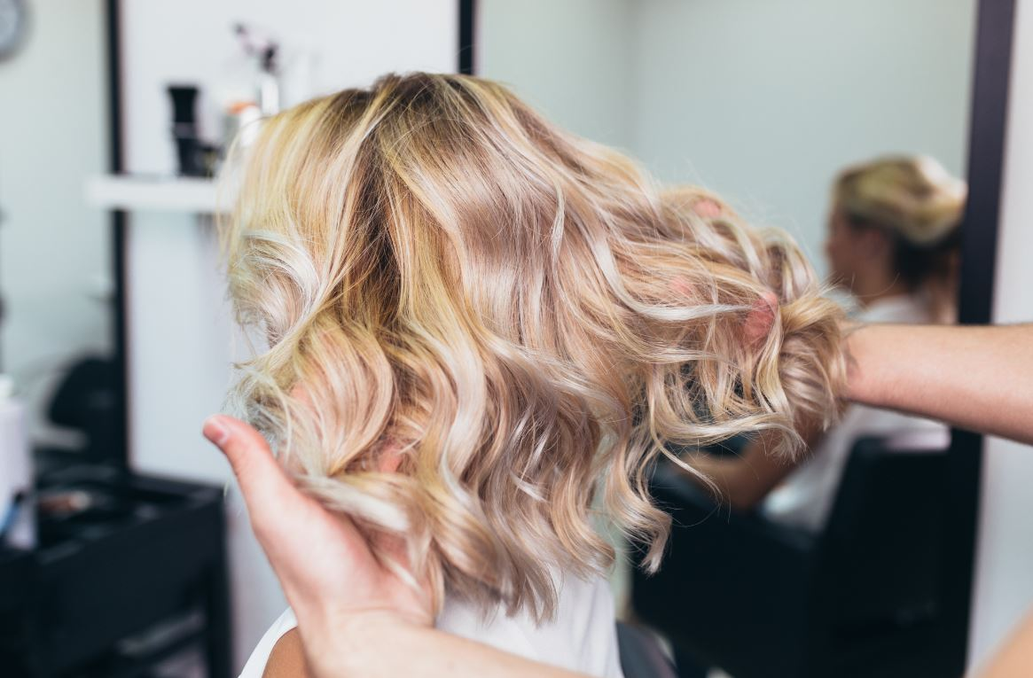 Et si la coloration abîmerait le cheveu ?